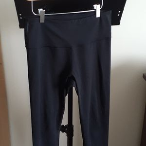 Old Navy Go Dry Large Fitted Black Leggings